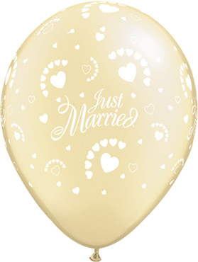 "Rundballon ""Just Married"" in perl weiß mit Herzen"