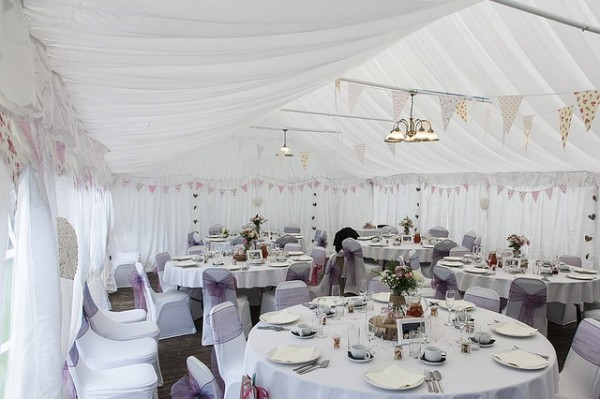 marquee-wedding-1070211_640